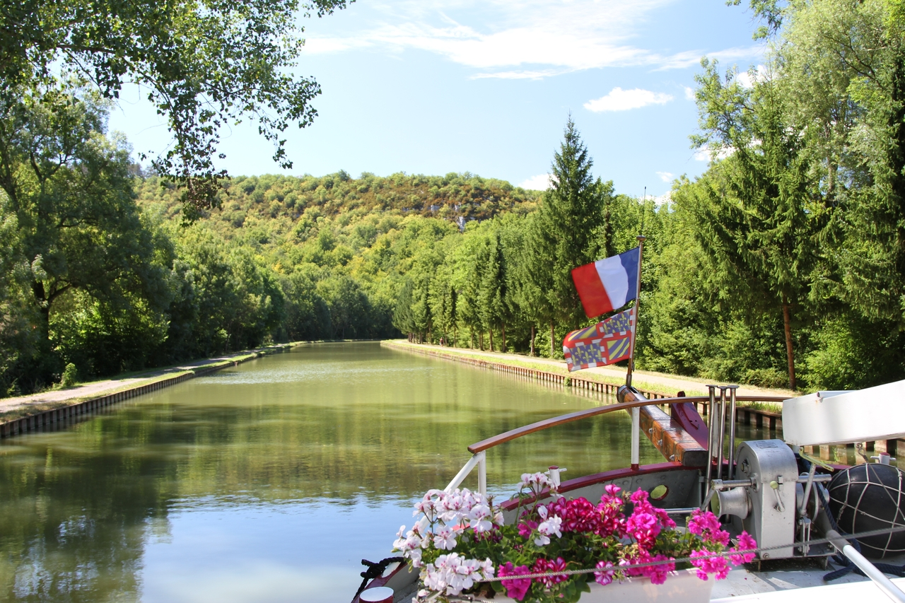 Up the Burgundy Canal to Pouilly